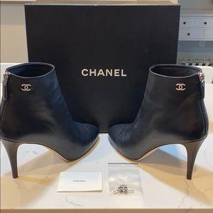 CHANEL black lambskin ankle booties size 40